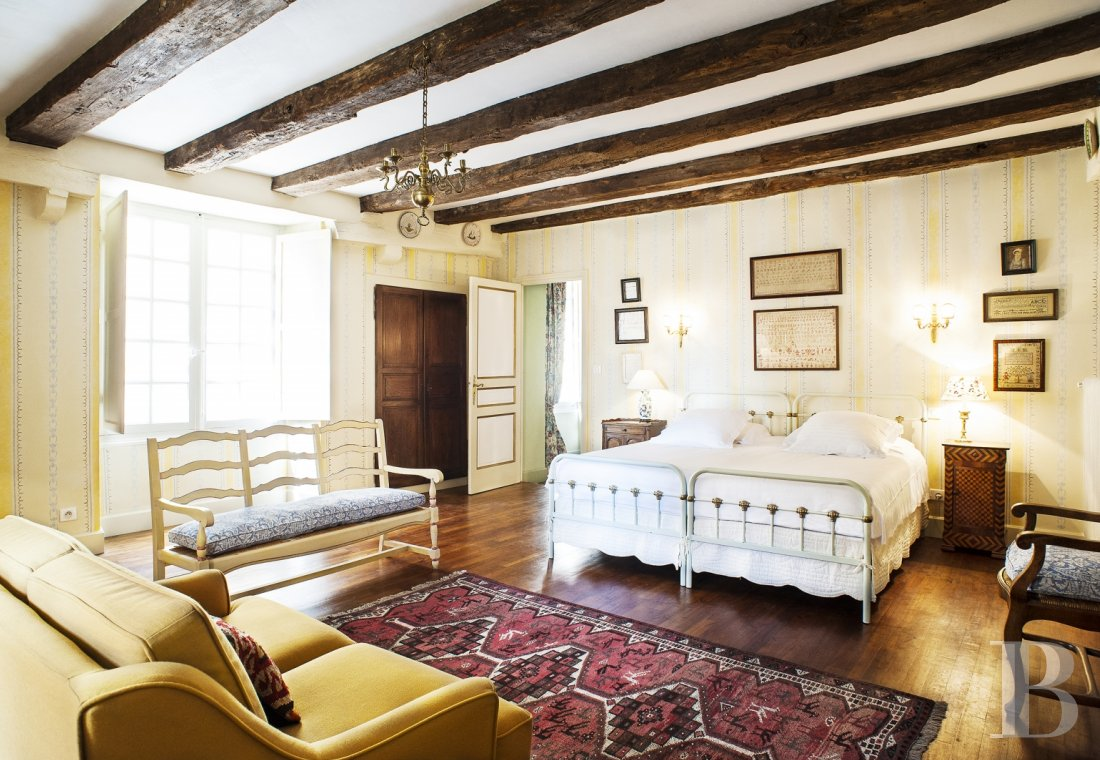 A former mansion with medieval origins now housing five bright suites in Sarlat - photo  n°17