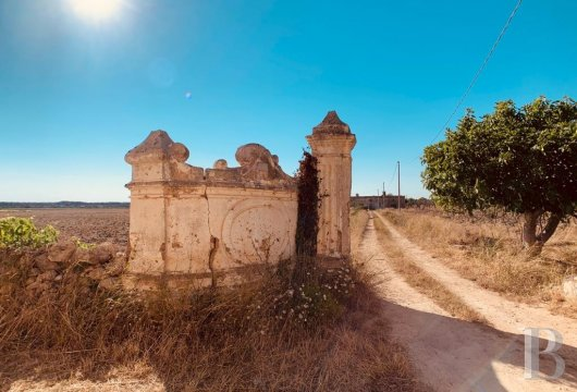 A 17th century villa, awaiting restoration, in the countryside around Nardò, near to the Regional Nature Park of Porto-Selvaggio
